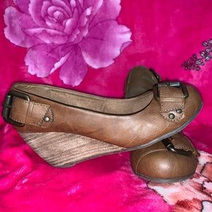 Brown Leather Wedges With Buckles